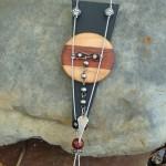 Cuir, bois, métal 55$-C26