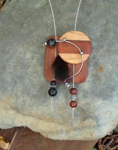 Bois, métal, pierres 65$-C25
