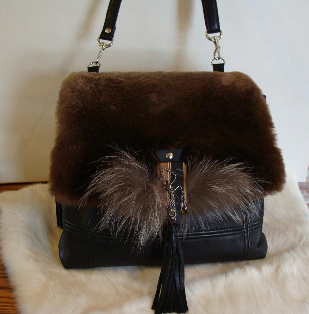 SAH22-Cuir noir castor rase 325 $