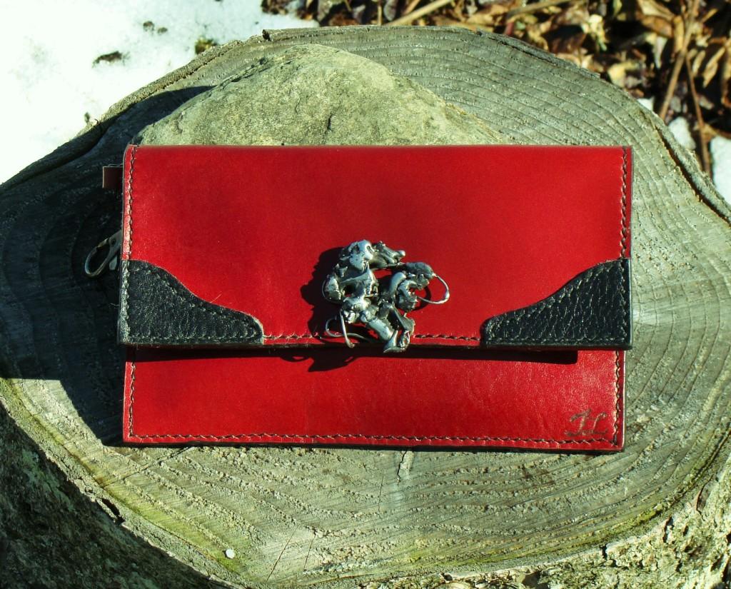 cuir rouge - 95 $